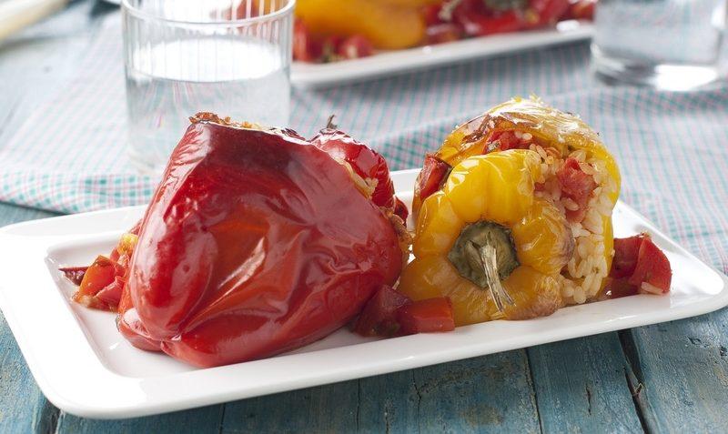 paprika met rijst en groenten